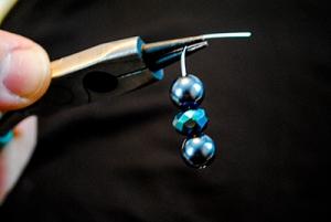 earrings_pliers